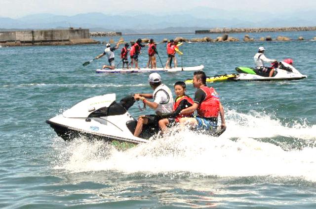 子どもたちに、安全に海を楽しんでもらう体験型イベント 「ハーバーフリーデーin横浜」開催!