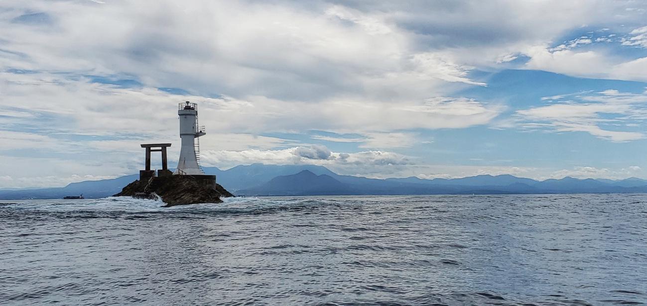 神様の島と名峰・大山をワンショットに収める神聖な景色も