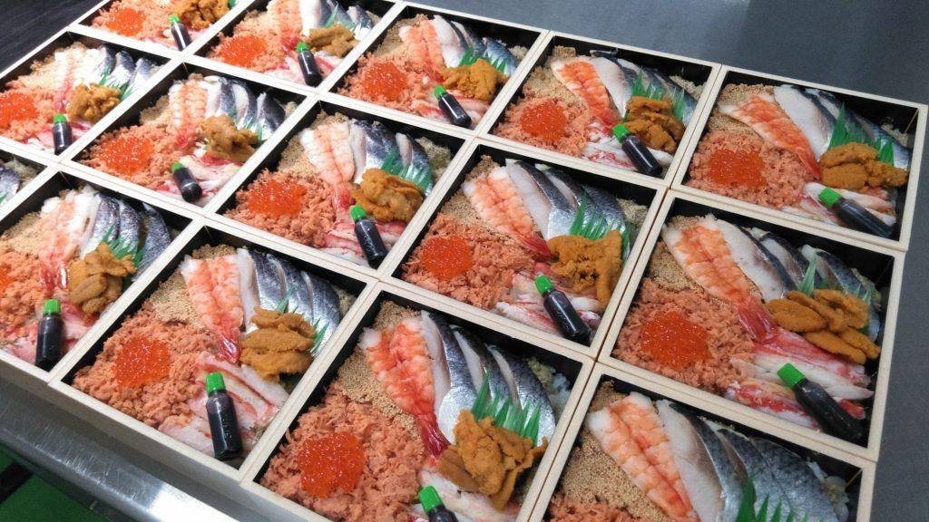 「駅弁味の陣」にもエントリー!新潟三新軒から海のうまいもんたっぷりのコラボ弁当販売中。