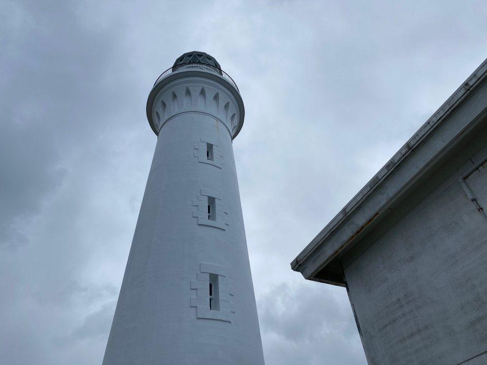 寒立馬にも出会える本州最果ての尻屋崎灯台。ディープな魅力を発掘!